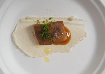 Mirko-di-Mattia-per-Livello-1-Tataki-di-tonno,-pasta-di-mandorle-e-pesto-di-basilico
