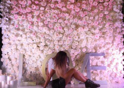 Romantic Flowers Wall